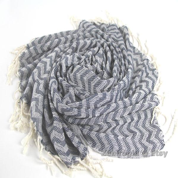 zigzag-gray.jpg